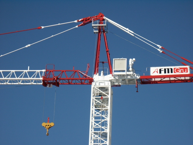 Tower Crane Requirements : Tck tower cranes saddle jib construction