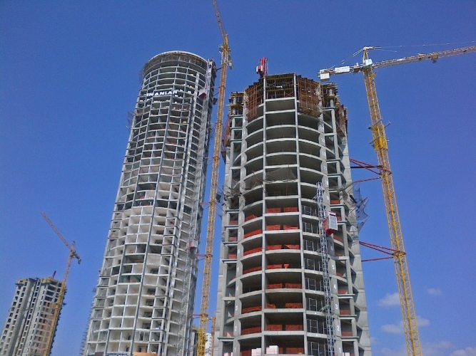 ensure safety during tower crane operation Since the highly publicized collapse of two tower cranes in new  let me say that,  considering the number of cranes in operation every day,.